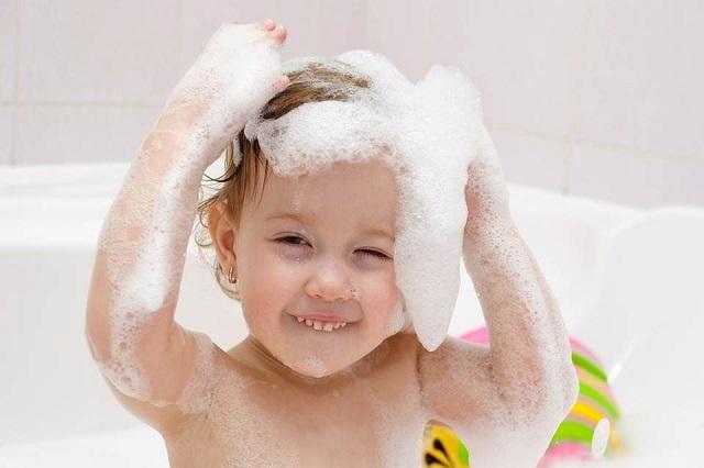 夏の紫外線から髪を守る!正しいヘアケア3つのポイントの画像1