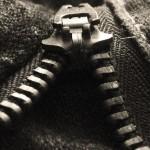 洋服やバッグのファスナーが固い状態を自分で何とかする方法
